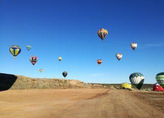 Festival de Balões de ar quente deixou o céu mais colorido