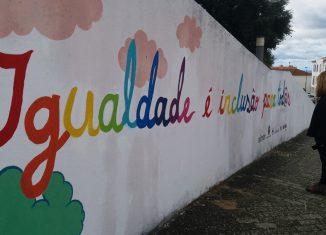 Mural em Portalegre lembra questões da igualdade