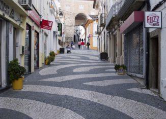 Entre a tradição e a modernidade da Rua do Comércio