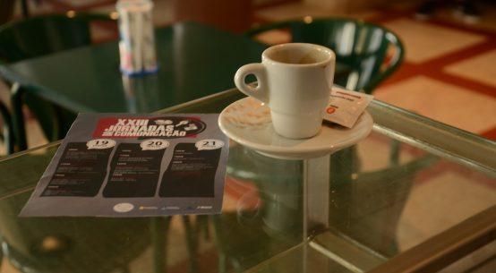 Um cafezinho, o tributo de jornalismo e a comunicação nas autarquias